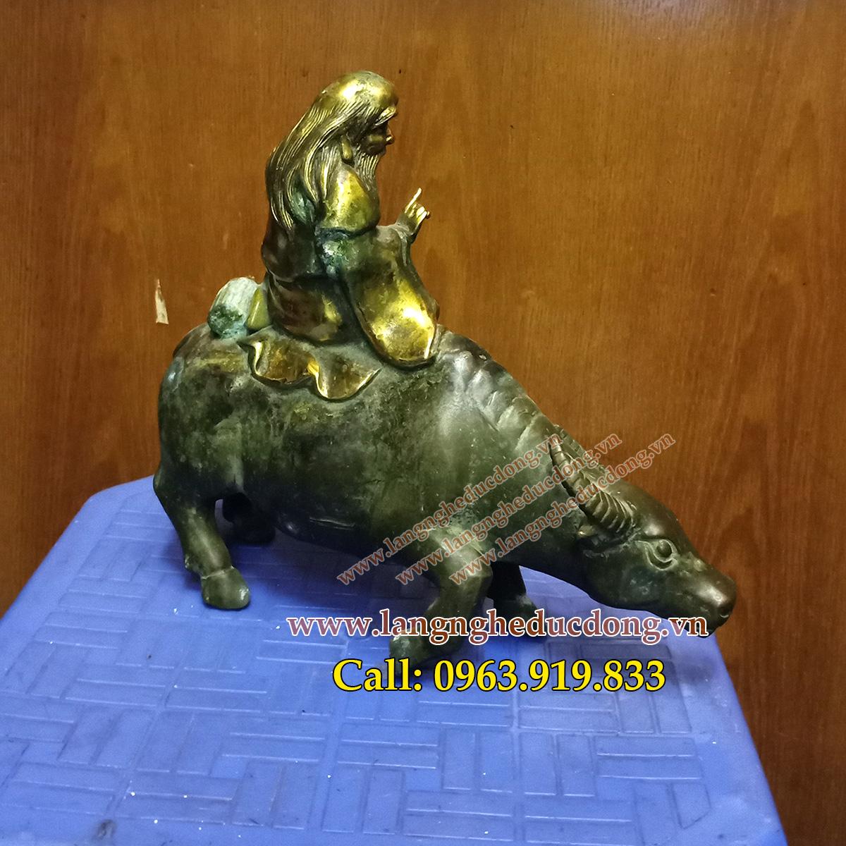 2 Tượng lão tử cưỡi trâu bằng đồng cao 20cm, tượng lão tử
