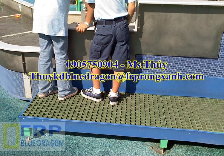 6 Sàn thao tác lót đi trên máy móc, tấm sàn lối đi kháng hóa chất, chống trượt dầu nhớt