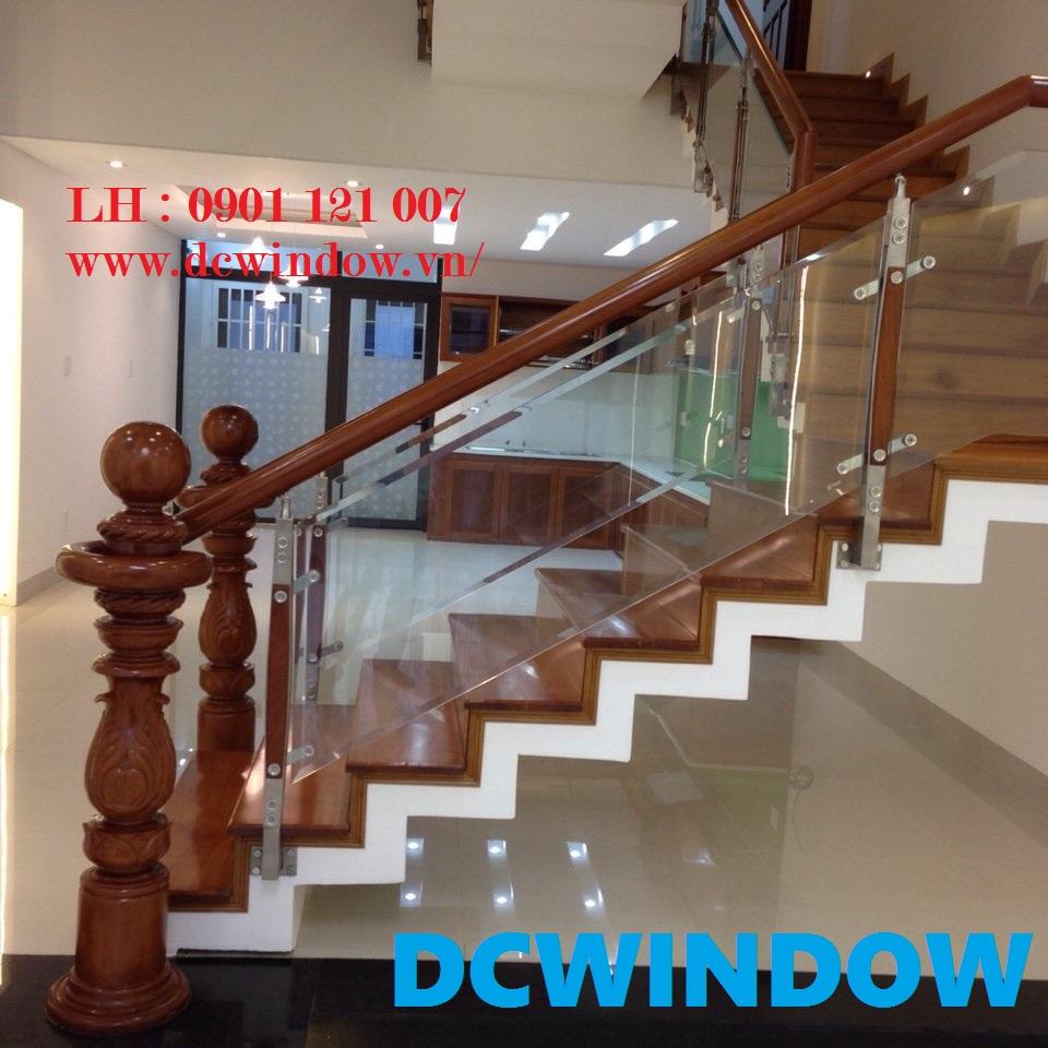 Lan can cầu thang kính cường lực DC - DCWINDOW