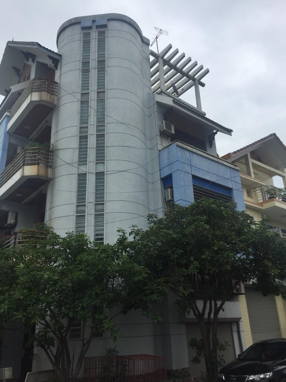 10 VIEW.CÔNG.VIÊN  Nhà 5 tầng cách  khách sạn Nam Cường 500m