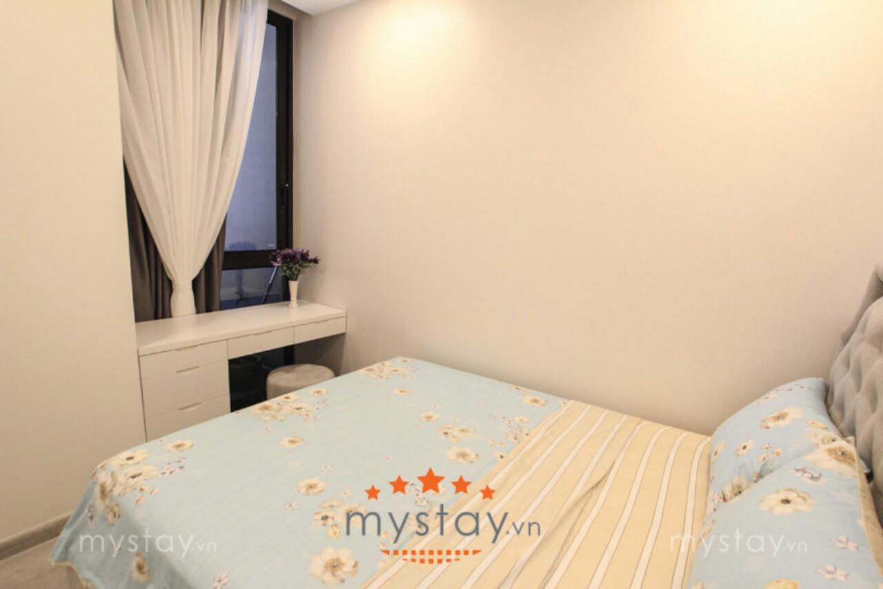 4 Cho thuê căn hộ VHGR 2 PN dt 68 m2 giá 32 triệu / tháng