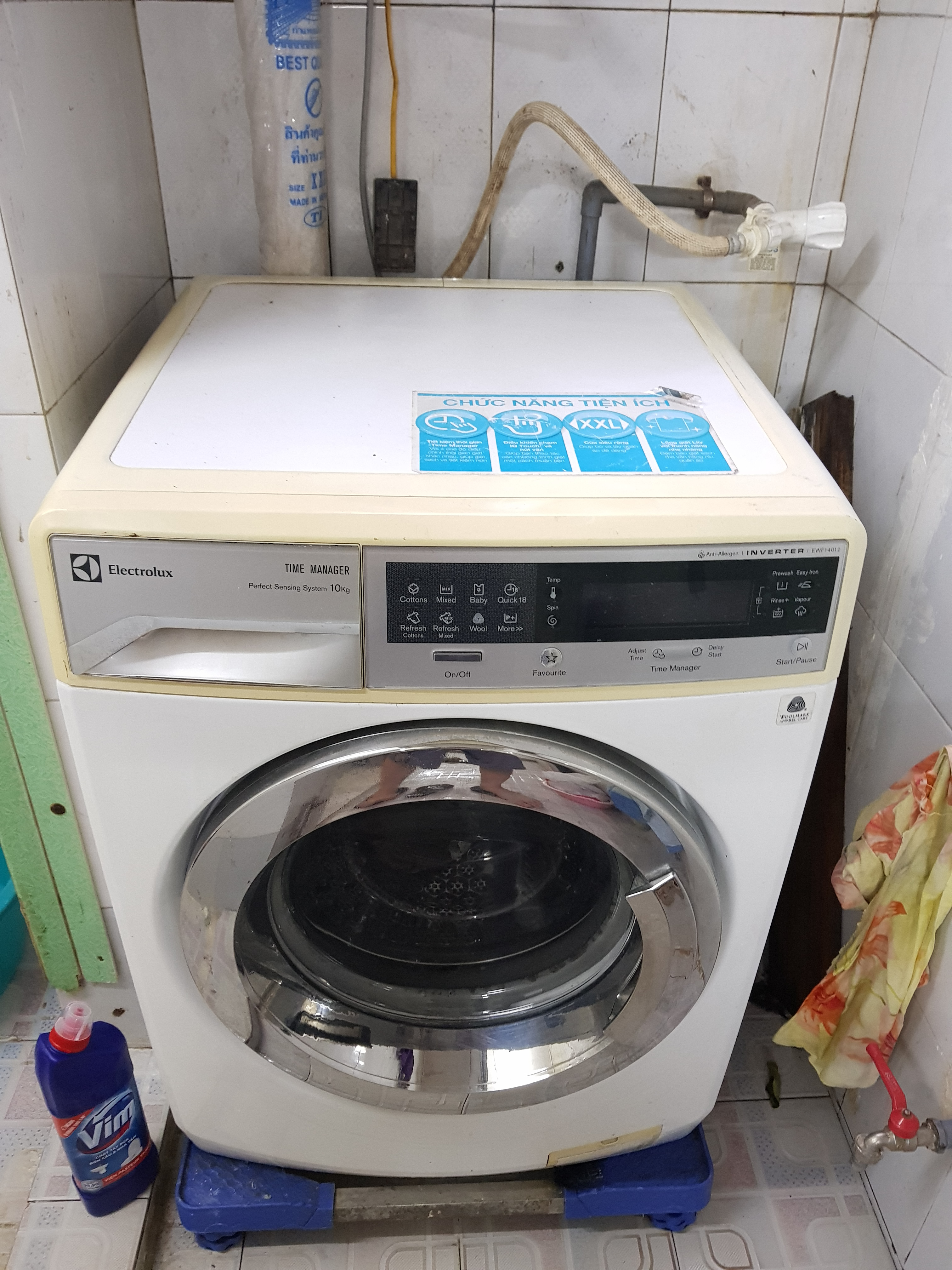 1 Máy giặt electrolux inverter 10kg đời giặt chăn thoải mái