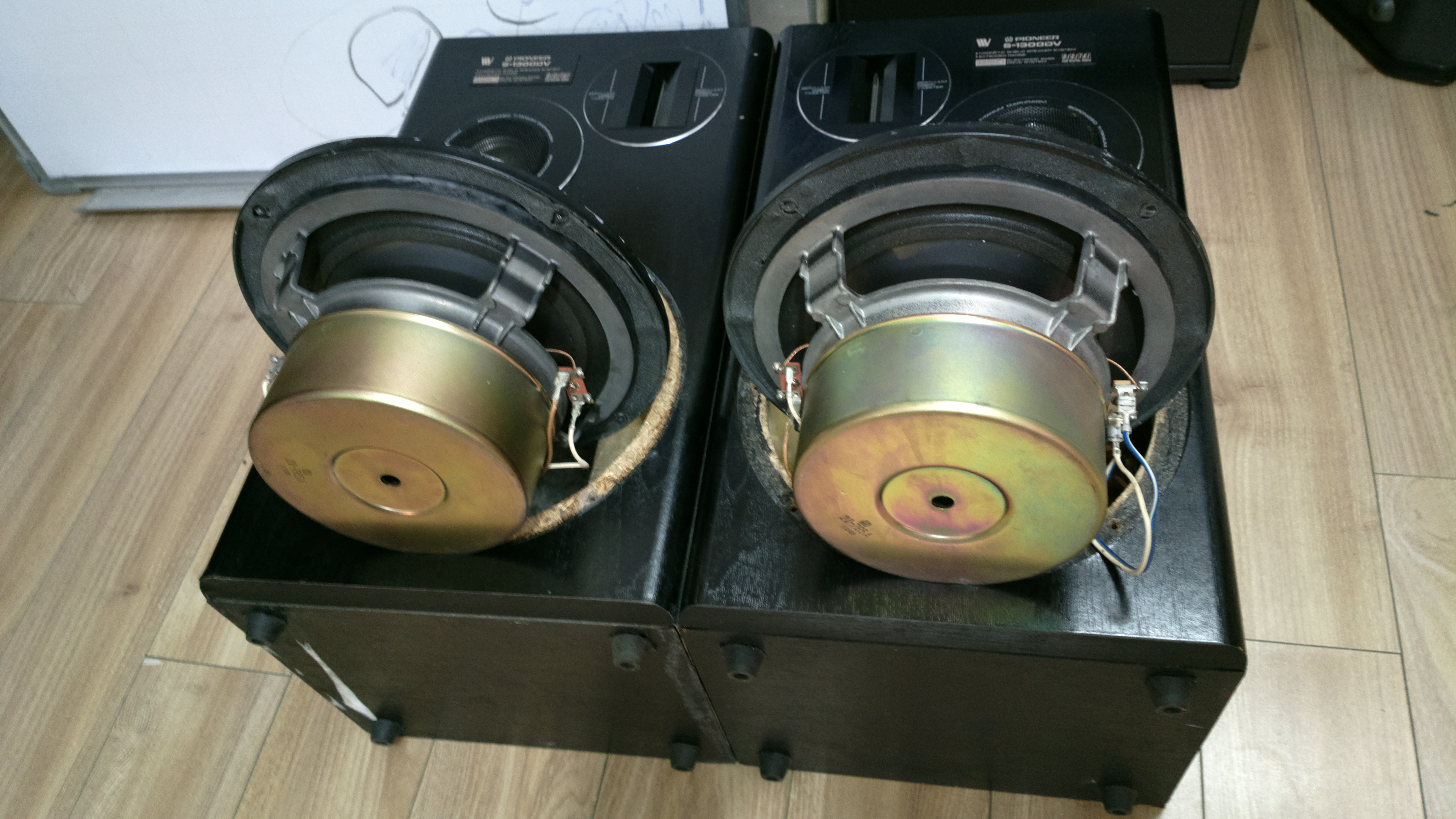 9 Đôi loa Pioneer bass 22cm, nam châm khủng