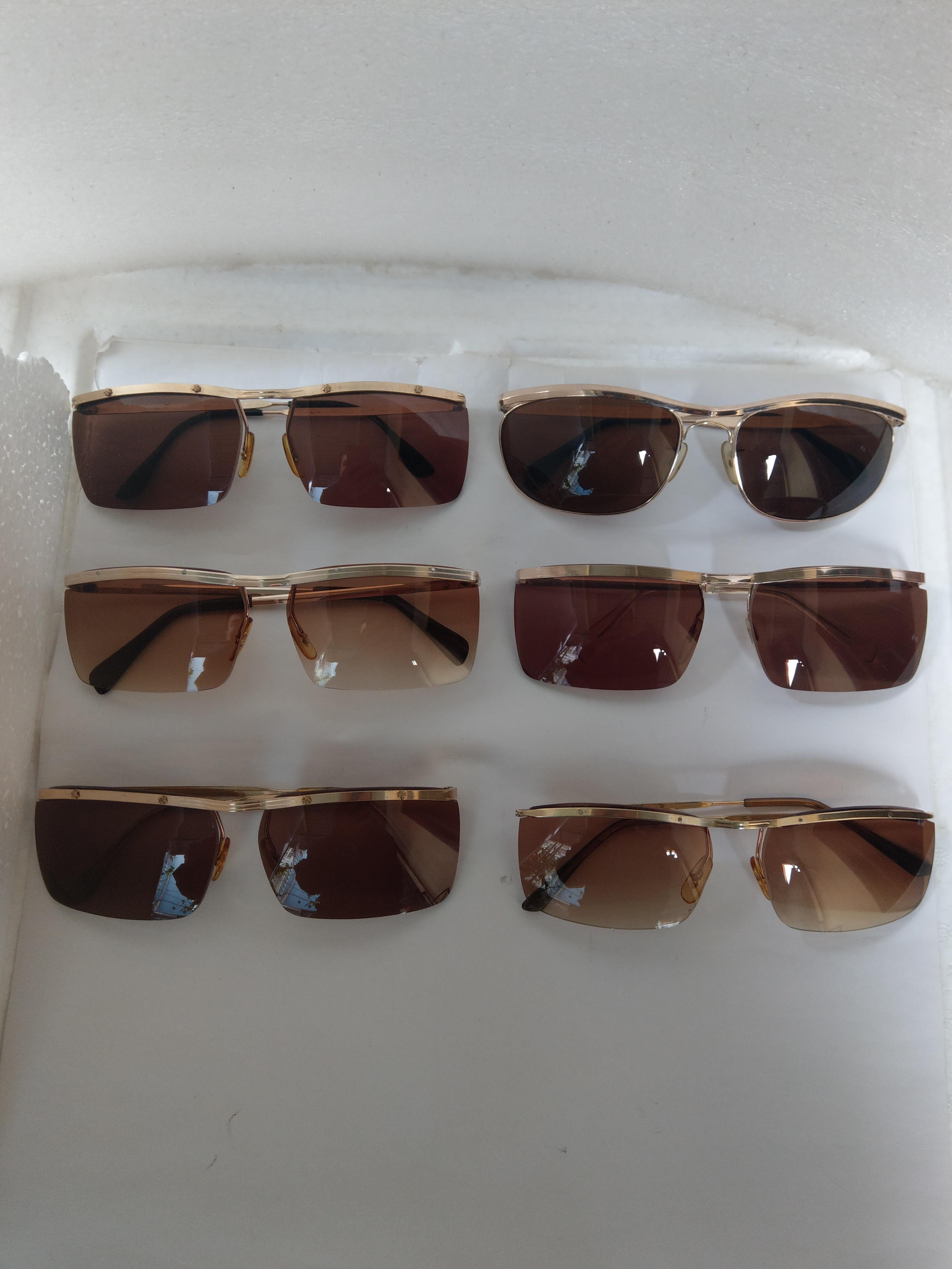 3 Ra mắt 6 cái kính cổ bọc vàng mới về sản xuất thập niên 1950