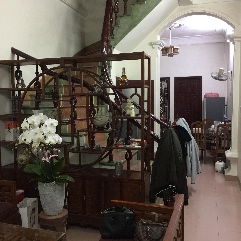 2 Chính chủ bán nhà 3 tầng Nguyễn Văn Cừ, Long Biên