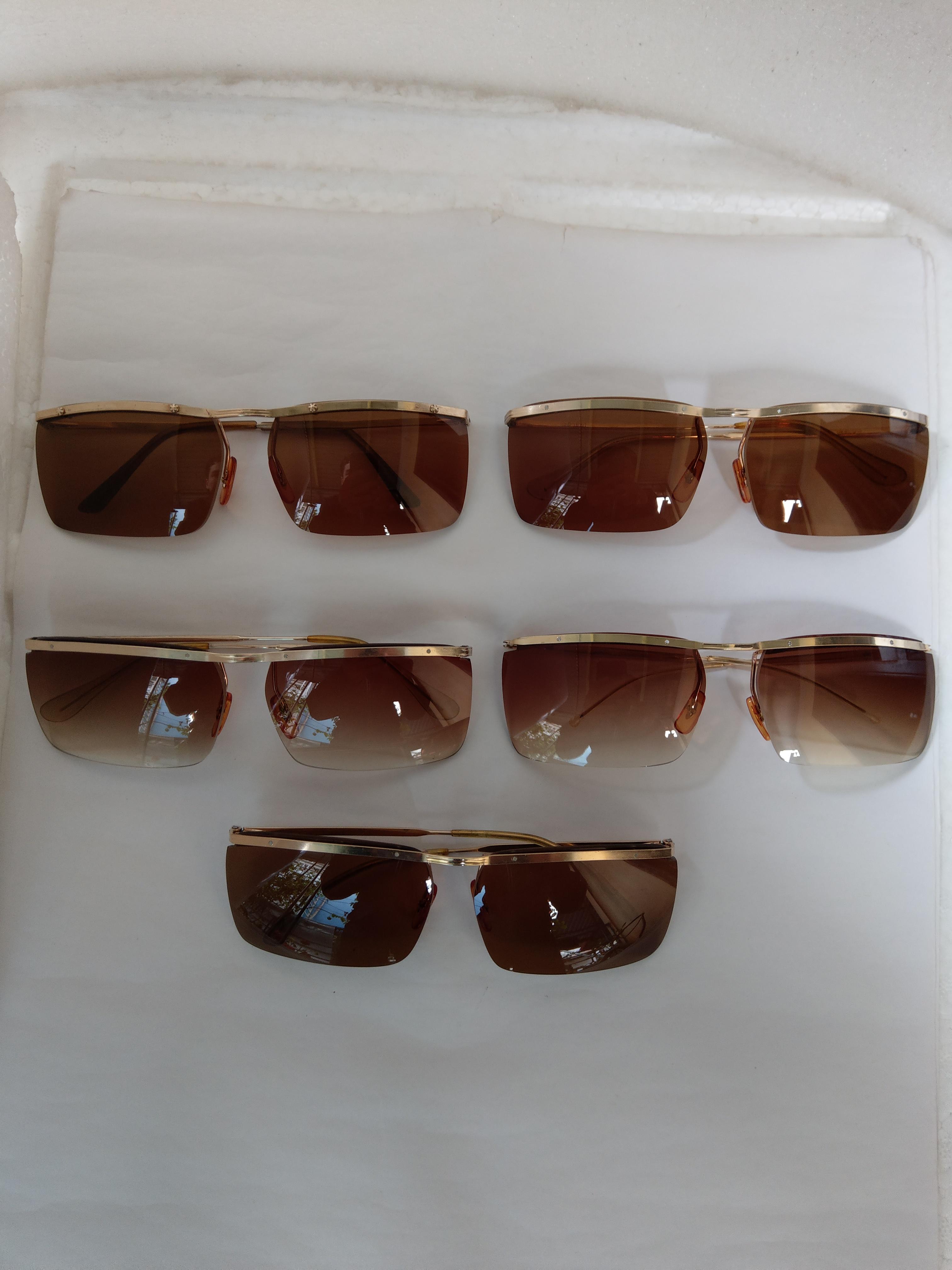 5 5 cái kính cổ  bọc vàng mới về có đầy đủ các thương hiệu nổi tiếng trên toàn thế giới.