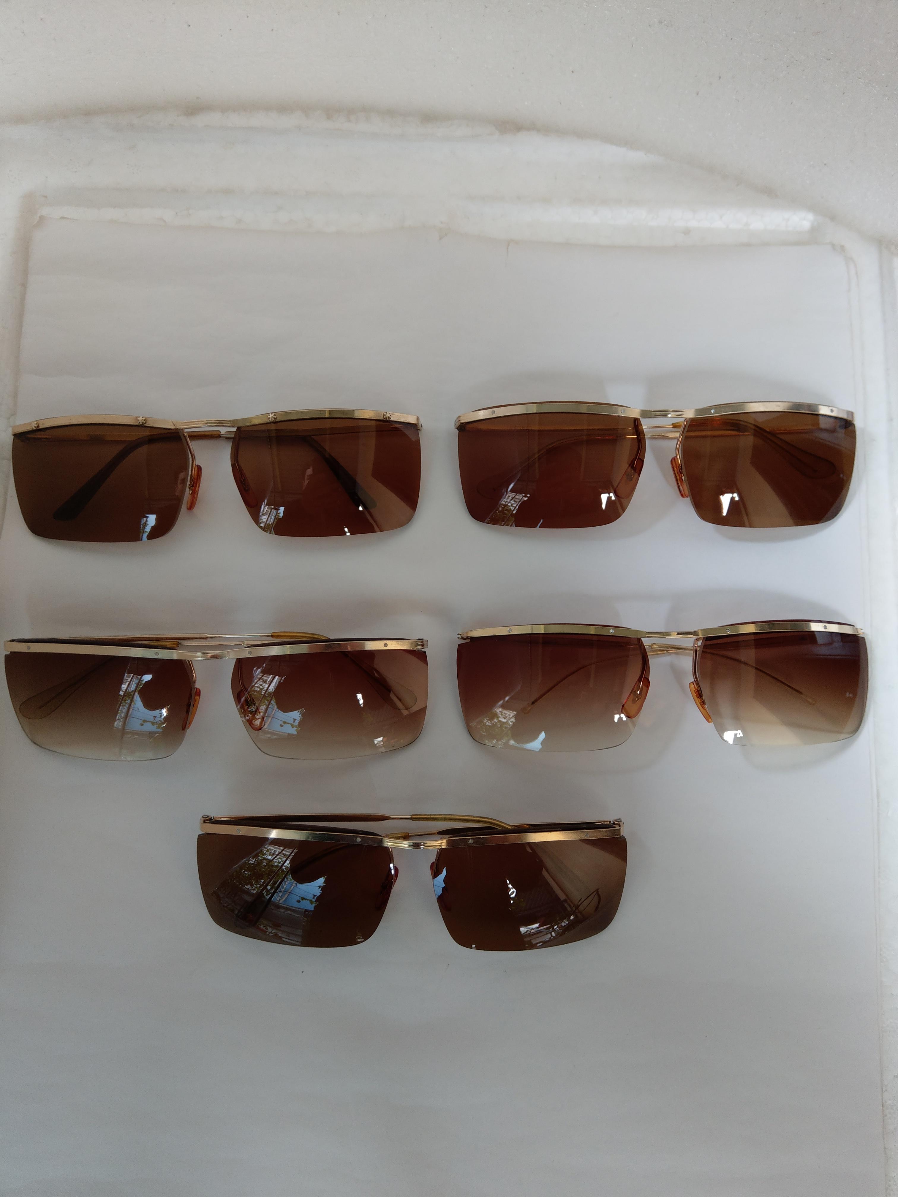 6 5 cái kính cổ  bọc vàng mới về có đầy đủ các thương hiệu nổi tiếng trên toàn thế giới.