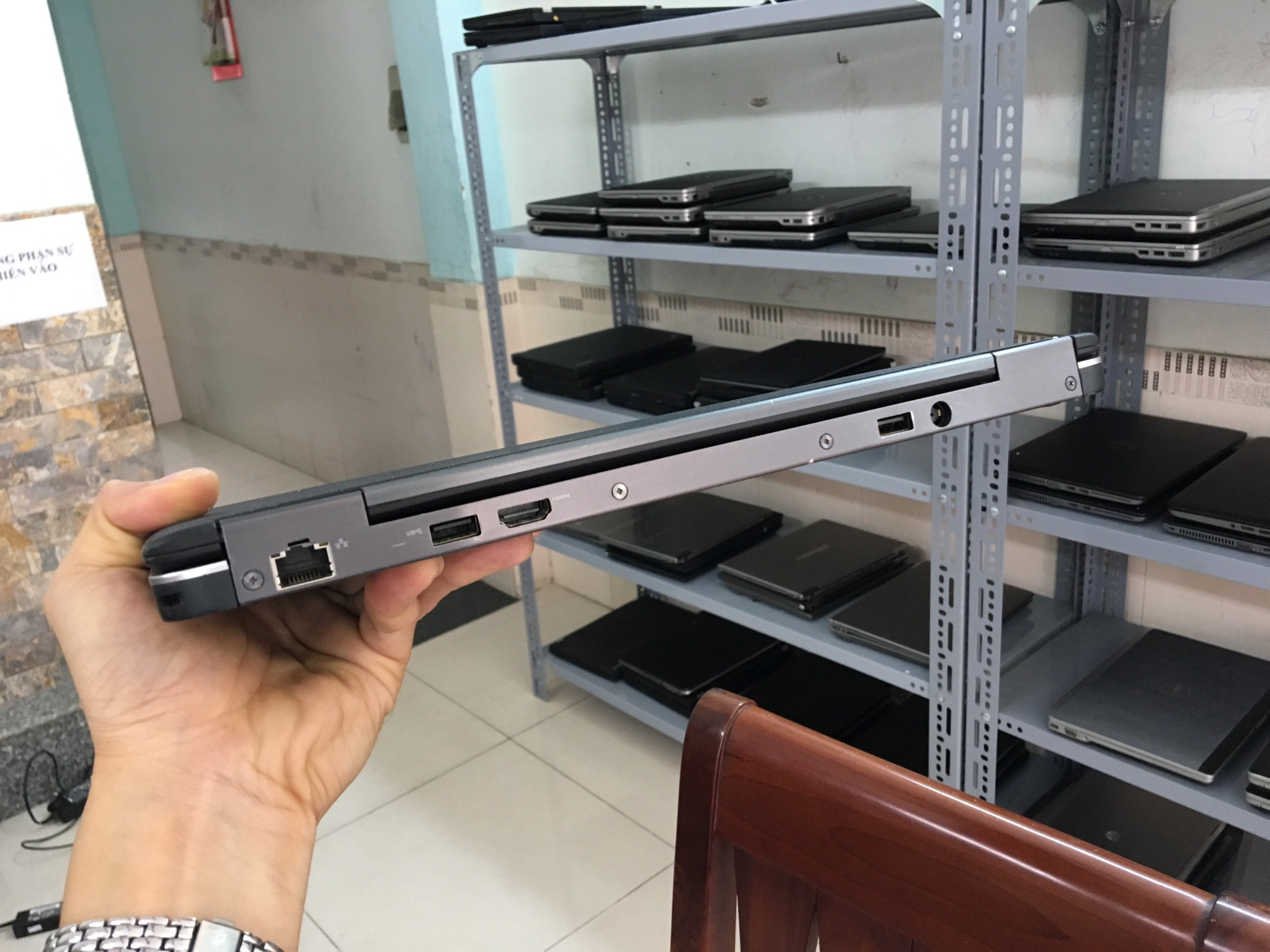 5 Thanh lý giá rẻ ultrabook dell latitude E7240 màn hình cảm ứng fullhd i7