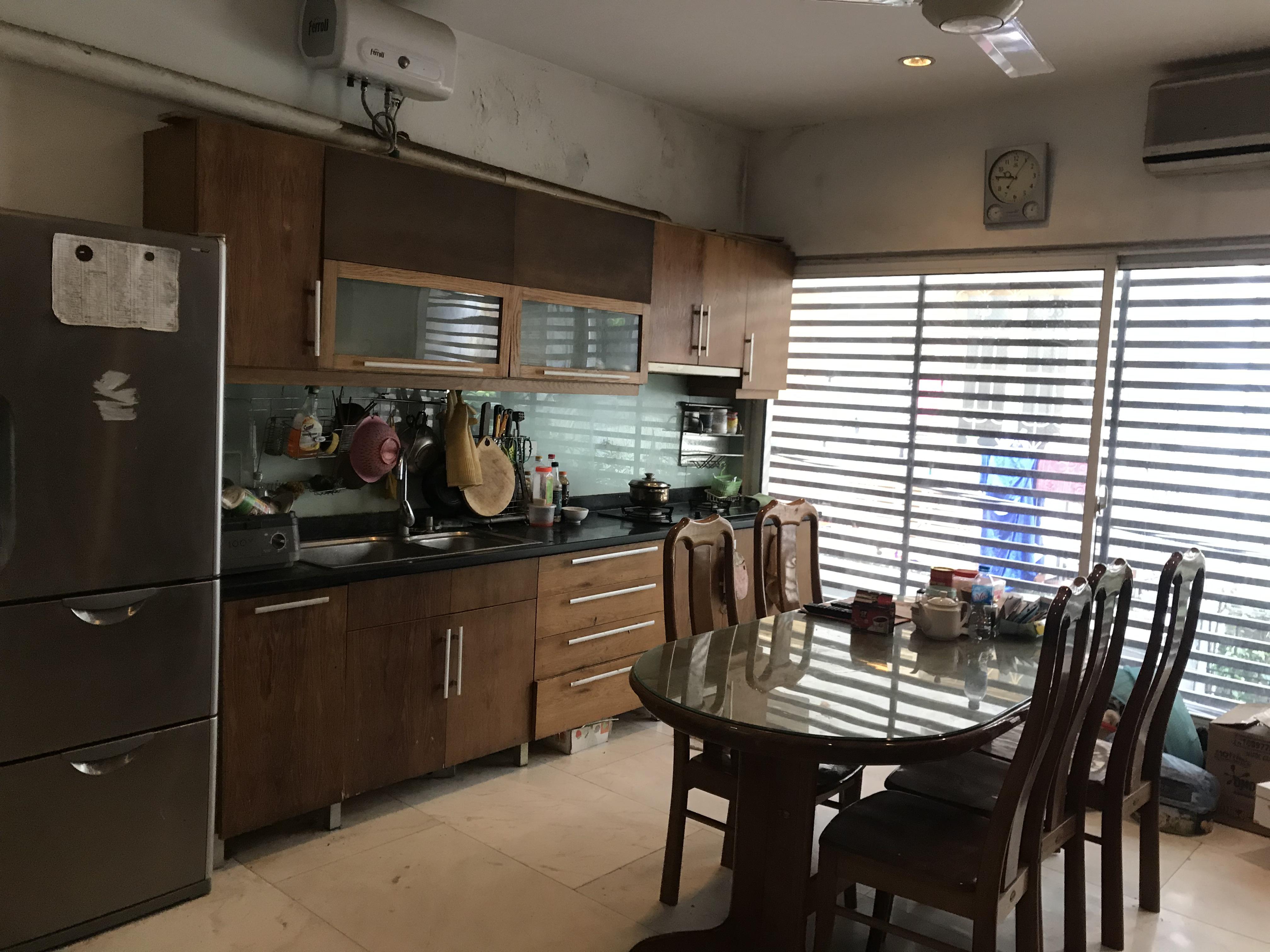 1 Cần cho thuê nhà tại quận Ba Đình Hà Nội, 4 tầng , 3 phòng ngủ, 4 wc, tiện nghi đầy đủ, an ninh