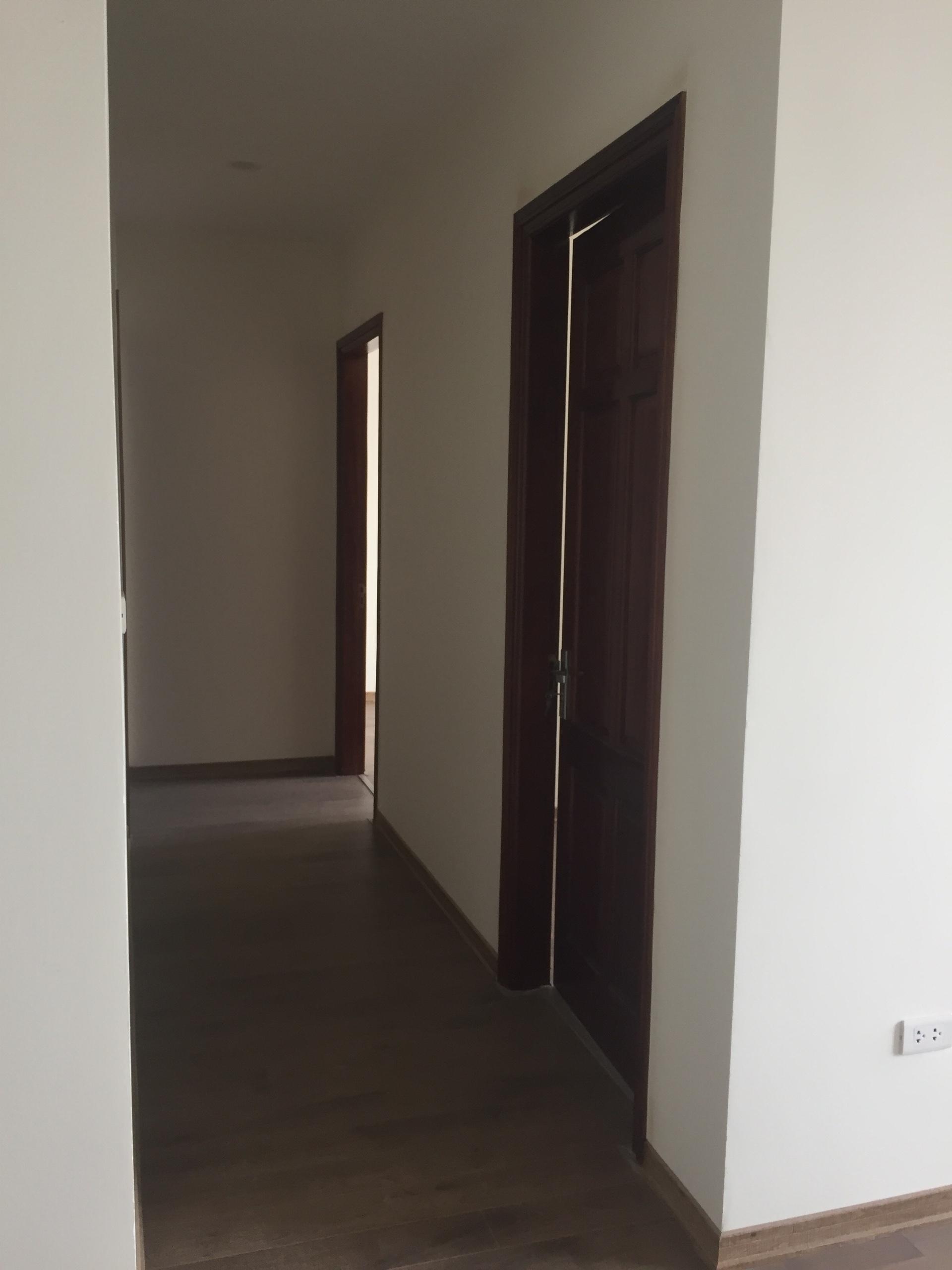 6 Vợ chồng tôi bán cắt lỗ 500tr căn hộ CT4 Vimeco Nguyễn Chánh, DT 141m2 - 3PN - giá 4,1 tỷ
