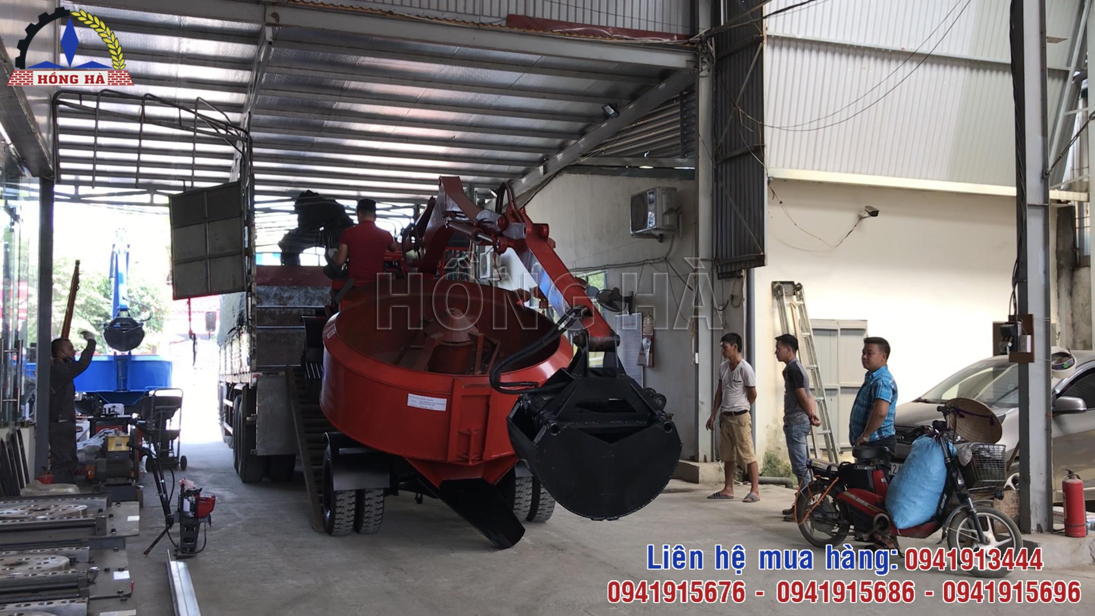 3 Máy trộn tự cấp liệu Hồng Hà lên đường đi Hà Tĩnh