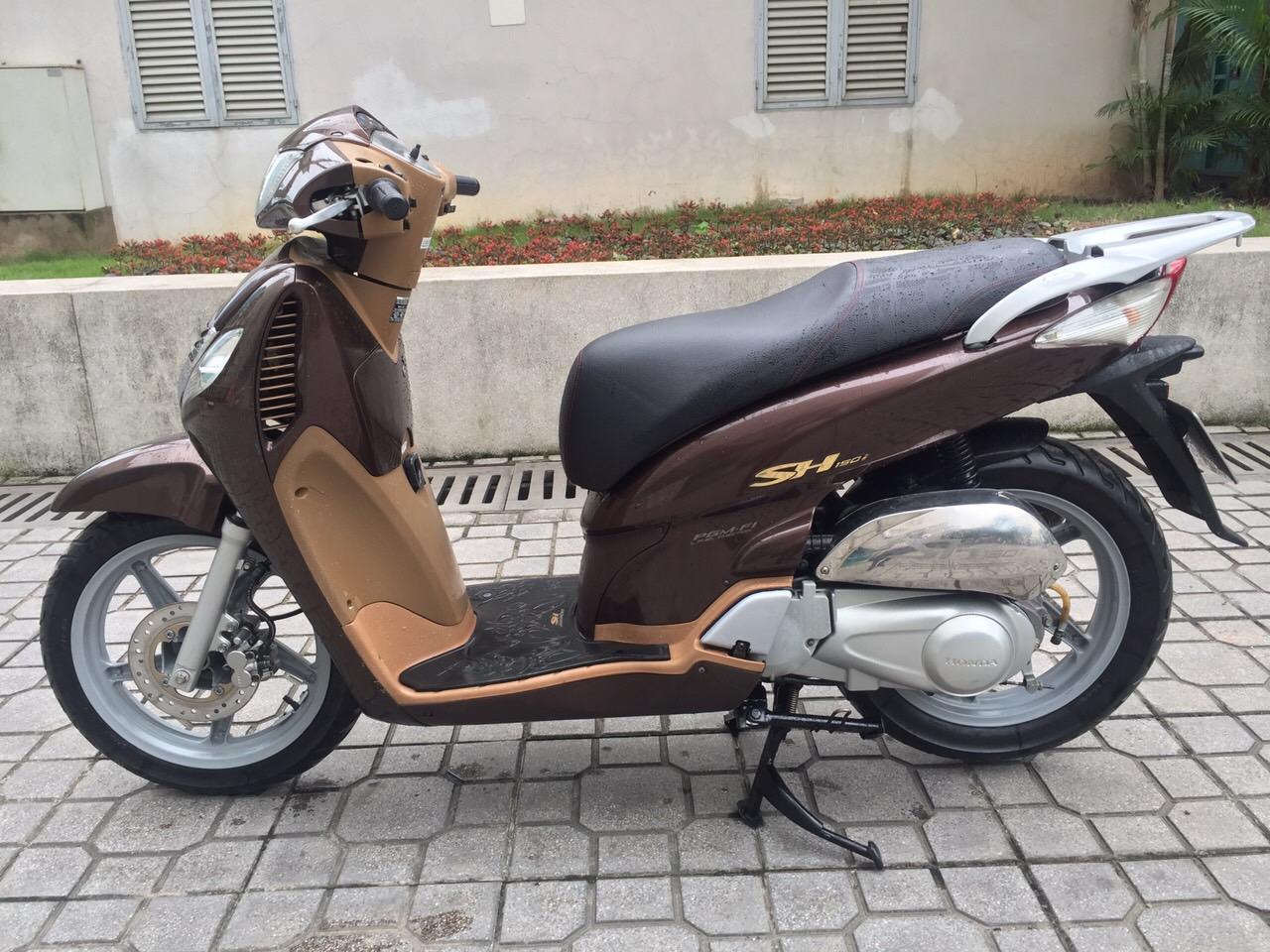 1 Cần bán Honda SH màu nâu.nhập ý 150cc.chính chủ.hồ sơ.30k4-4446