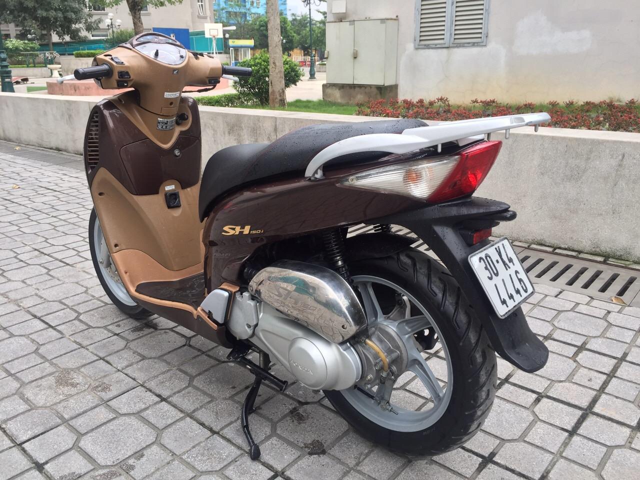 2 Cần bán Honda SH màu nâu.nhập ý 150cc.chính chủ.hồ sơ.30k4-4446