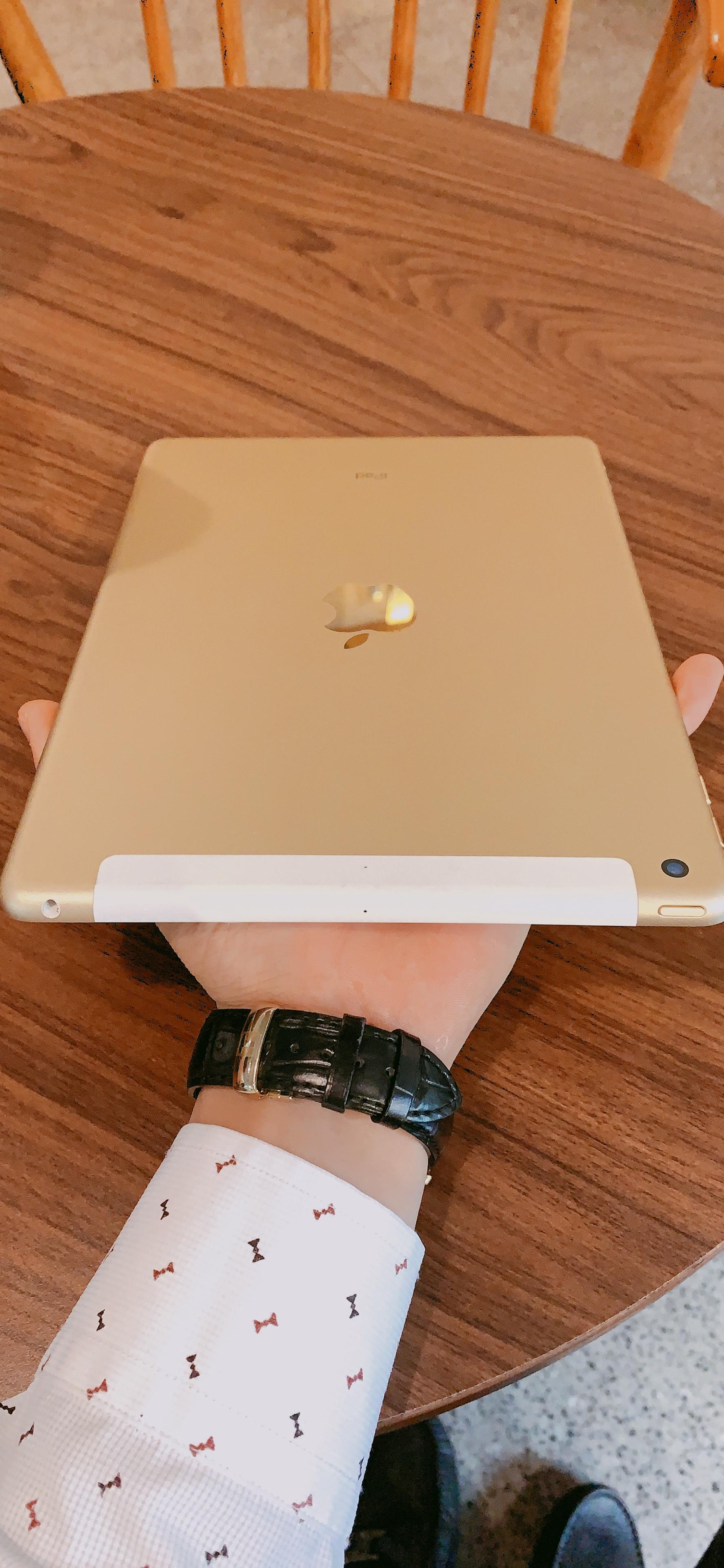 6 Bán ipad Air 2 128Gb gold