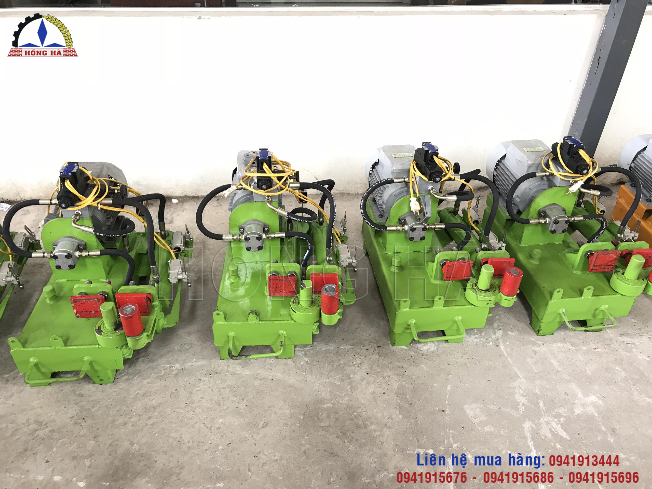 4 Máy bẻ mỏ sắt cây thủy lực và những ứng dụng trong xây dựng