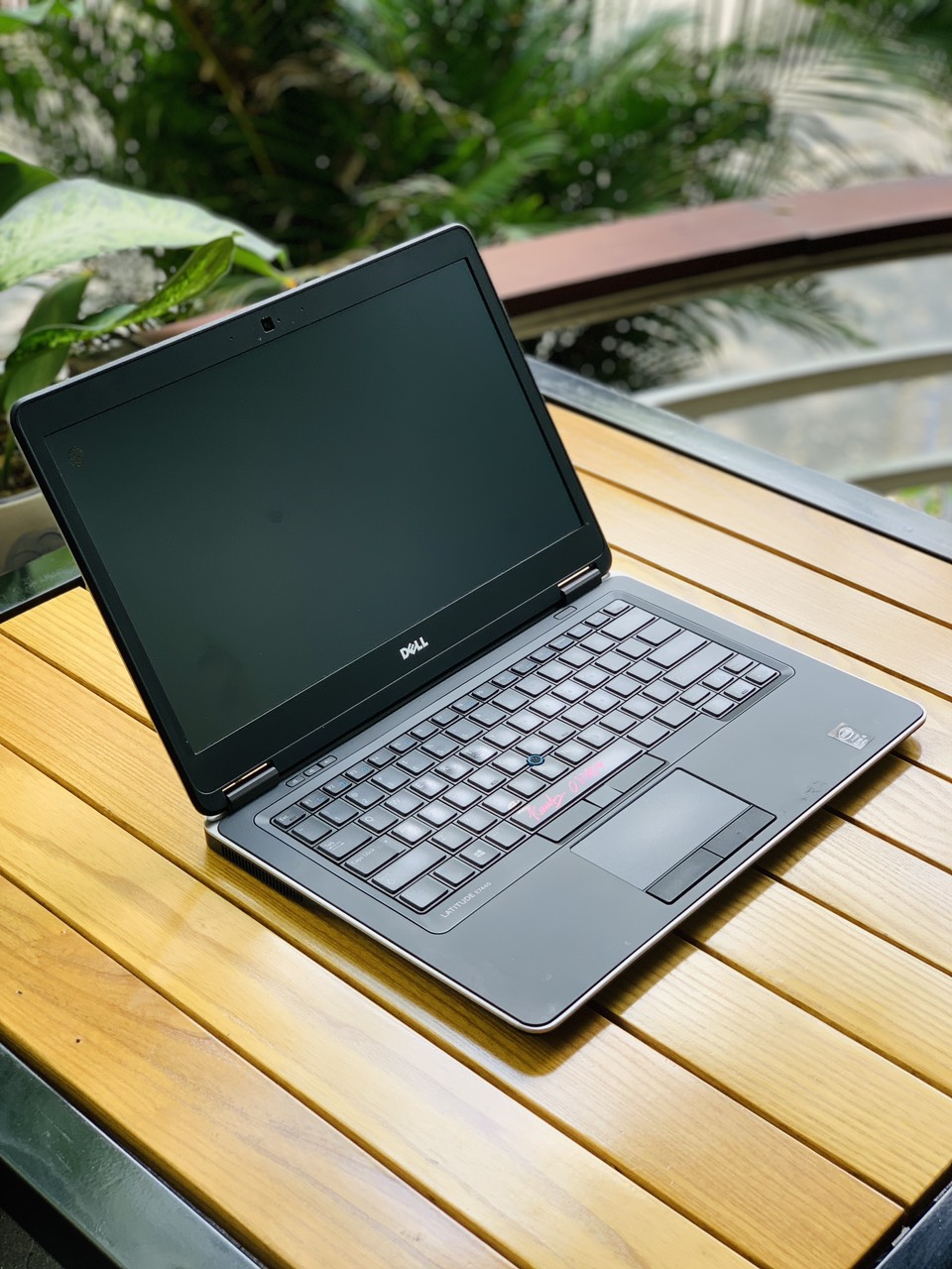3 Dell latitude E7440 Core I5-4310U Ram 8G, Ssd 256GB, MH Full HD 14 inch, Zin 100 siêu bền mỏng đẹp