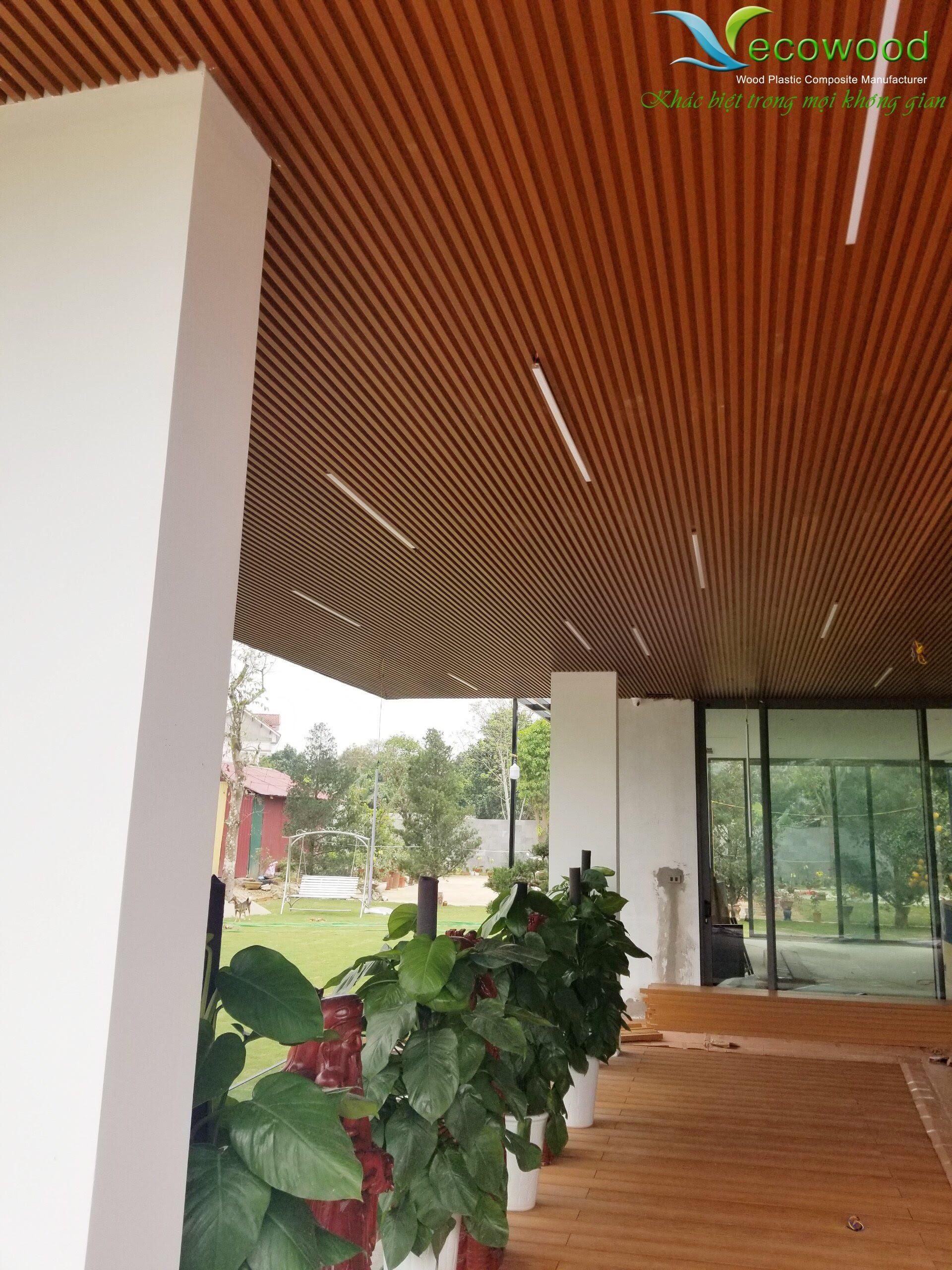 2 Gỗ nhựa Composite cho trang trí nội ngoại thất