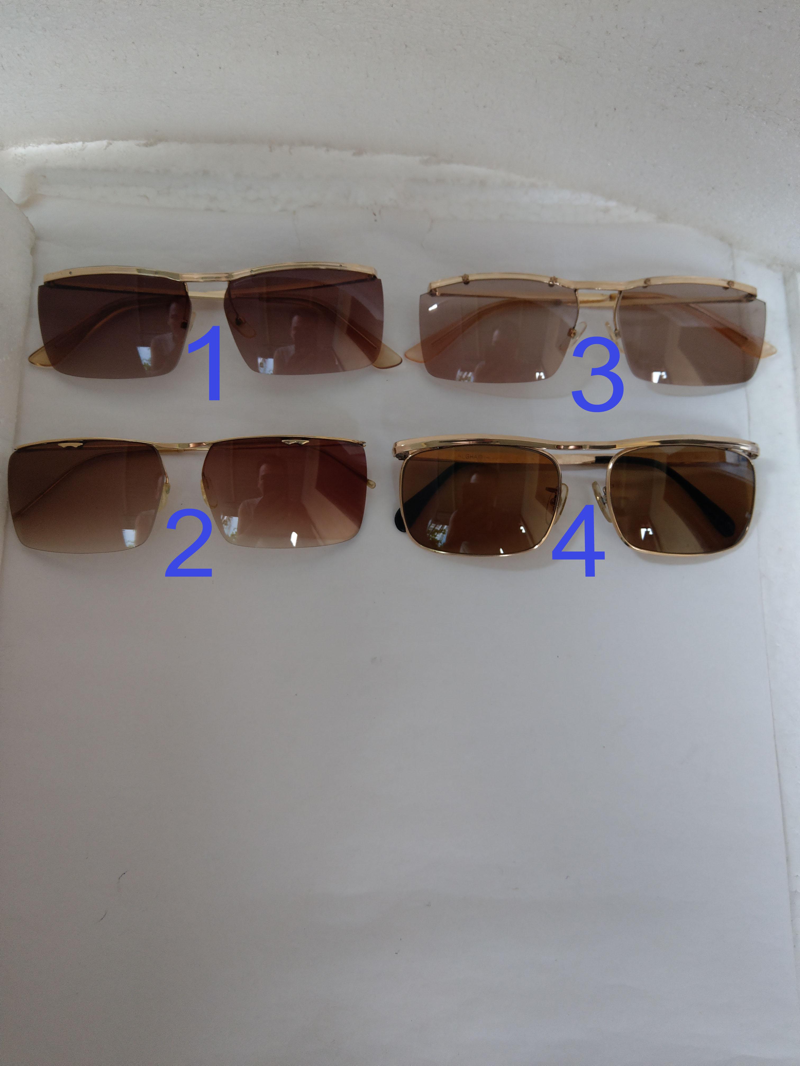 Có 4 cái kính cổ mạ vàng bọc vàng thương hiệu nổi tiếng trên toàn thế giới...vv
