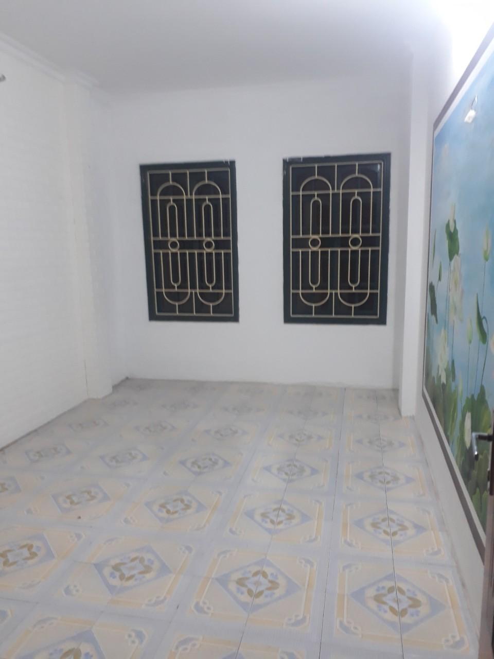 5 Cho thuê nhà phố Lý Nam Đế - Điện Biên Phủ 28m2, xây 5 tầng, 3 ngủ, 4 vs mới sửa đẹp giá 12tr