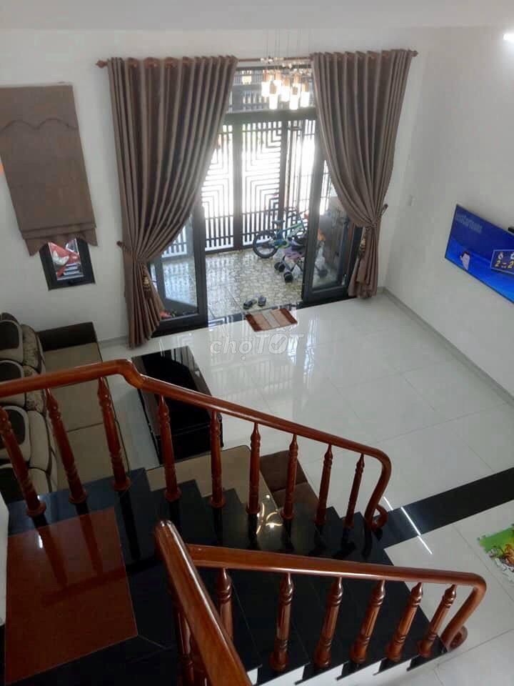 1 Bán biệt thự 1 trệt 1 lầu hẻm 1/ đường Huỳnh Thúc Kháng, Gò Dầu