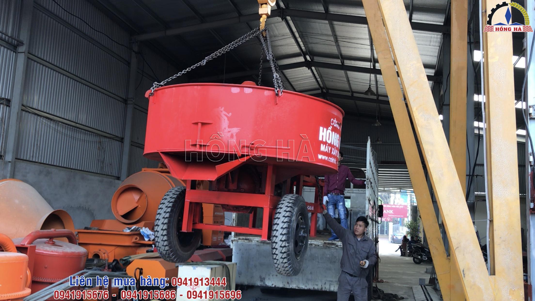 Khai xuân chuyến hàng đầu tiên với máy trộn bê tông cưỡng bức Hồng Hà đi Ninh Bình