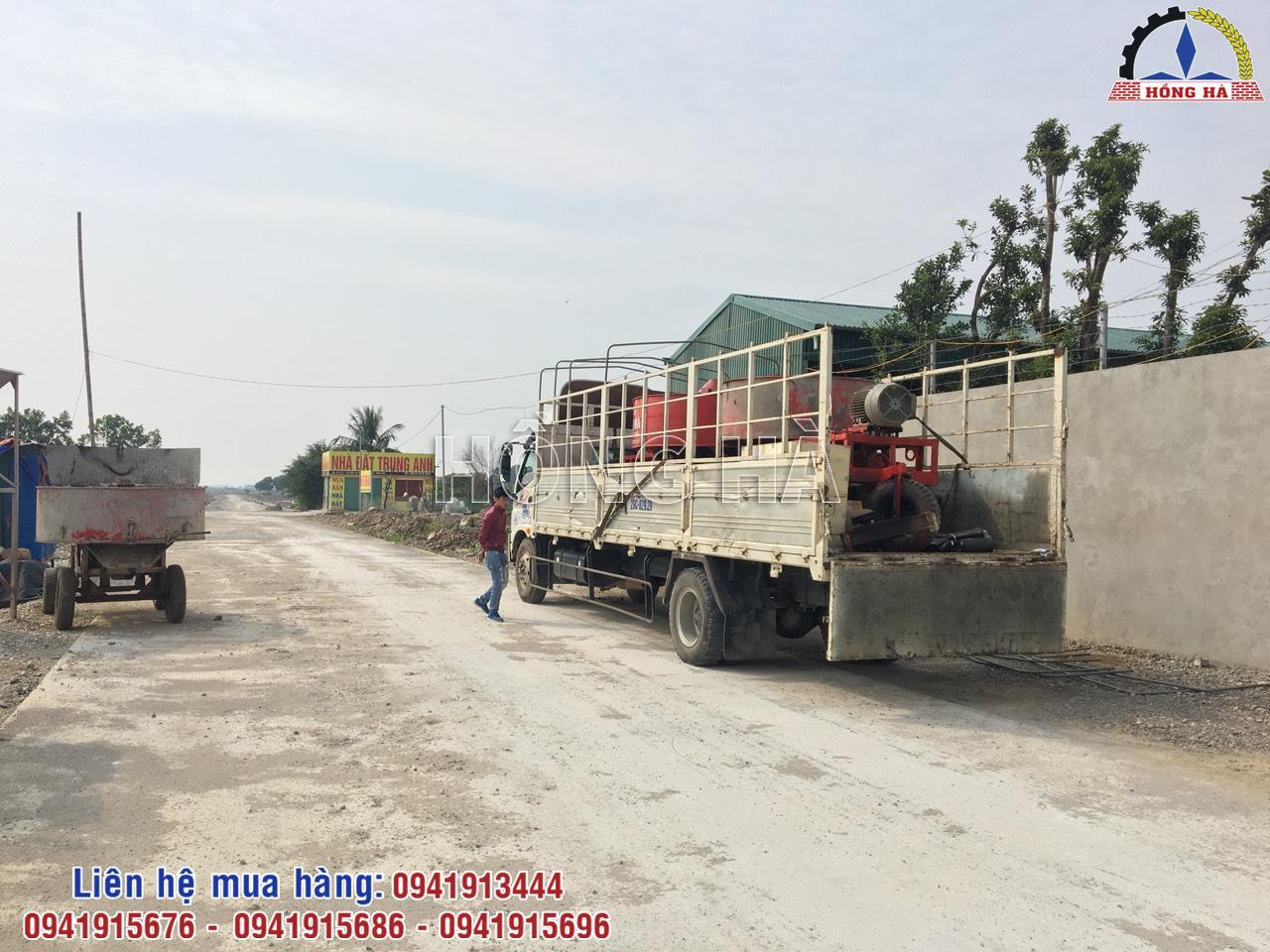 4 Khai xuân chuyến hàng đầu tiên với máy trộn bê tông cưỡng bức Hồng Hà đi Ninh Bình