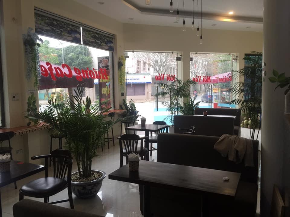 3 Sang nhượng quán cafe nằm ngay giữa ngã tư