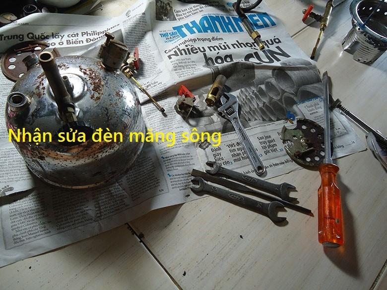 2 Đèn măng xông xưa AI DA của Đức,đèn treo,đèn dầu.,đồng hồ dây cót