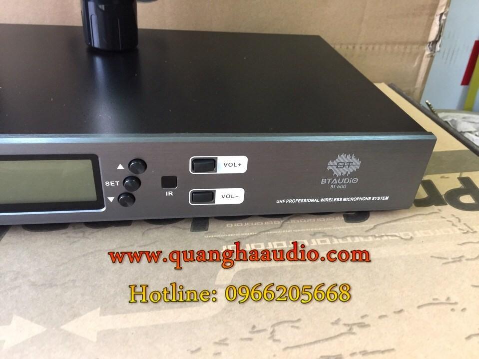 4 Micro không dấy BT audio 600 công nghệ siêu cảm ứng tiếng hát hay như ca sĩ lệ quyên